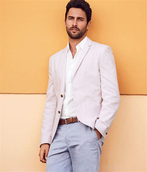 noah mills height noah mills profile biography pictures news