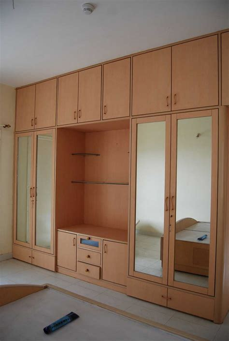 Cupboard Designs For Small Bedrooms Wooden Bedroom Cupboard Designs With Modern Style Homescorner