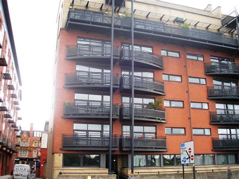 3 Bedroom Flat To Rent In Clyde Street City Centre