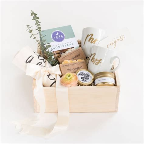 best christmas gift for newly engaged best 25 engagement gift boxes ideas on wedding her gift ideas for newly