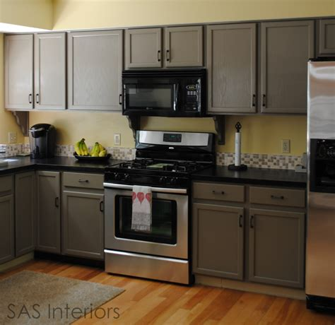 painted cabinets in kitchen best 25 laminate cabinet makeover ideas on pinterest