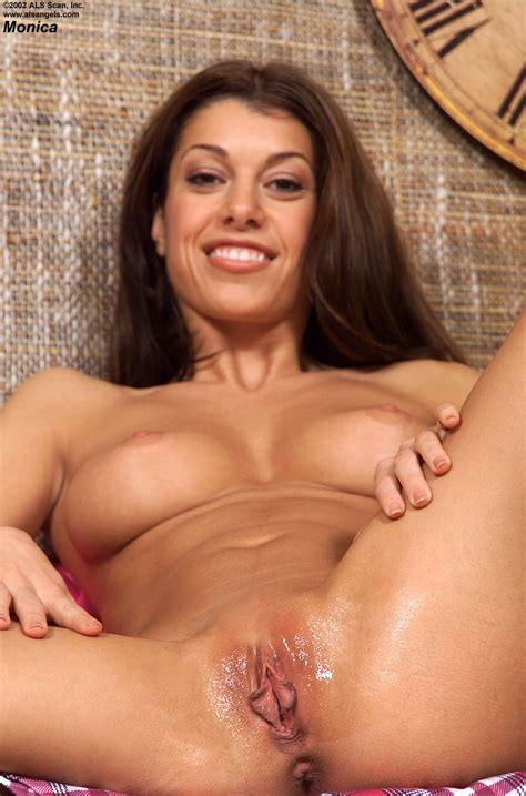 Monica P Prepares Tiny Glass Bottle To Insert It In Her Loose Shaved Pussy