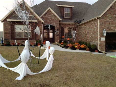 Decorations For Your Home by Exterior Halloween Decorations To Upstate Your Home