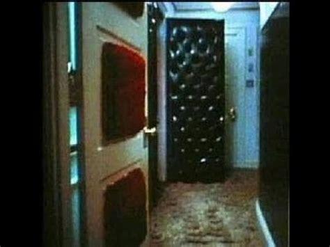 elvis bathroom elvis presley his bedroom and bathroom mystery