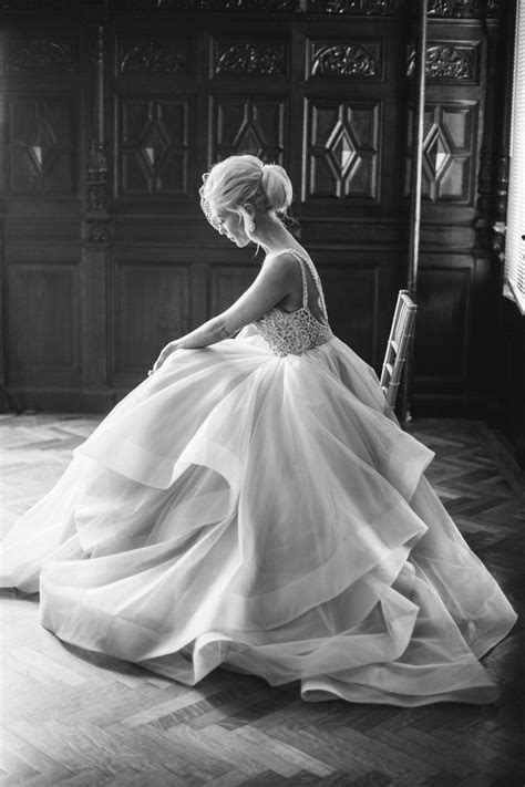 25  best ideas about Bridal photography on Pinterest
