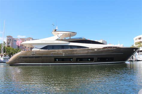 riva boats nederland 2010 riva duchessa power boat for sale www yachtworld