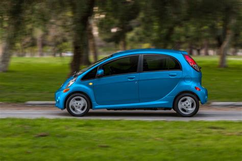 2014 mitsubishi i miev pictures photos gallery the car