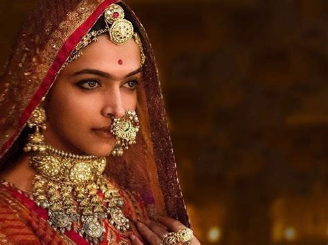 movie theater times padmavati by deepika padukone 6 glorious facts you need to know about padmavati s latest song ghoomar