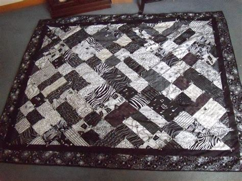 Patchwork Quilt Song - black and white quilts quilting gallery quilting gallery