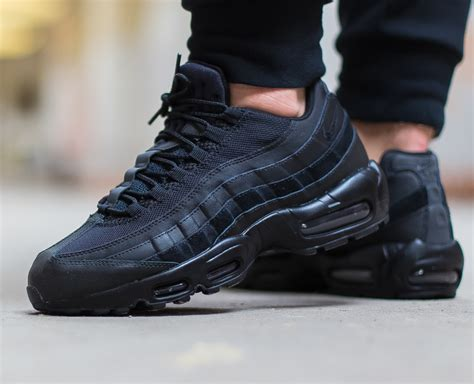 nike air max  essential noir triple black