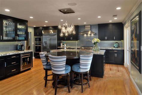 Kitchen Backsplash Lighting 35 Luxury Kitchens With Cabinets Design Ideas
