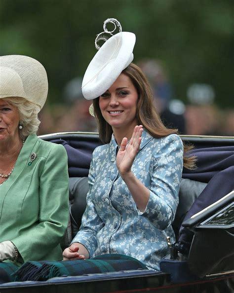 members of the british royal family επιτέλους δείτε την kate middleton στην πρώτη της