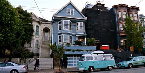 Maison Bleue Maxime Le Forestier by La Maison Bleue De Maxime Le Forestier Lost In The Usa