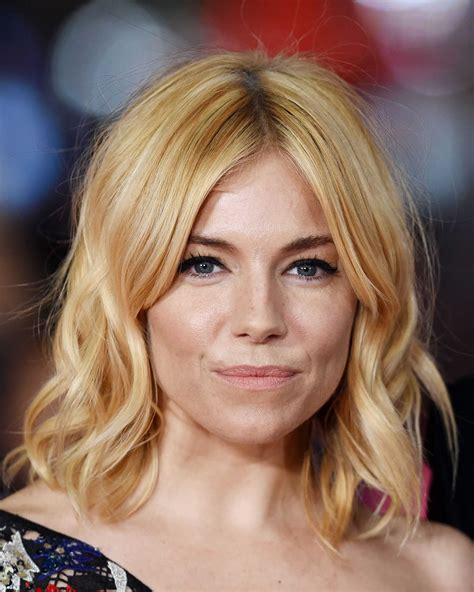 whatbhair texture does sienna miller have 7 women who are rocking short blonde hair