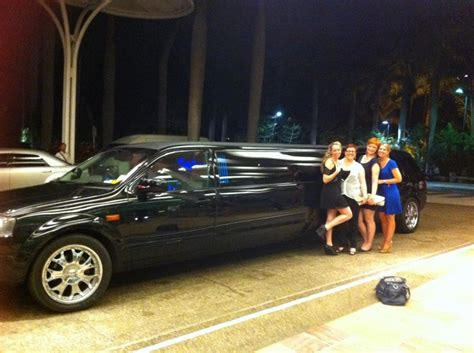 airport limo hire gold coast limousine hire limousines in paradise