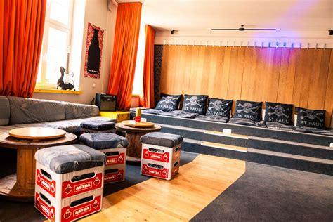 unsere runderneuerte astra rockstarsuite was dagegen - Superbude Hotel Hamburg