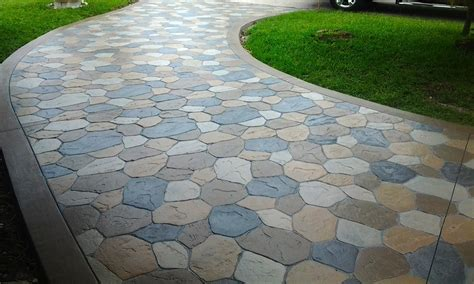 Pavers Vs Concrete Patio Sted Concrete Vs Pavers Which Is Better For Your Driveway Duraamen Ideas For The House