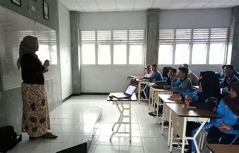 Pintar Menulis Karya Ilmiah Untuk Siswa Sekolah Menengah pelatihan karya tulis ilmiah bagi siswa siswi sman 9