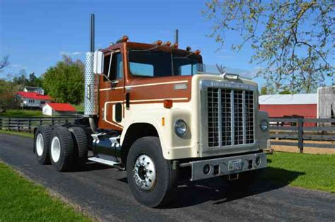 international semi truck international 4200 1978 daycab semi trucks