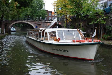 bootjes utrecht weer open rondvaart varen utrecht nederland boottocht en boottochten