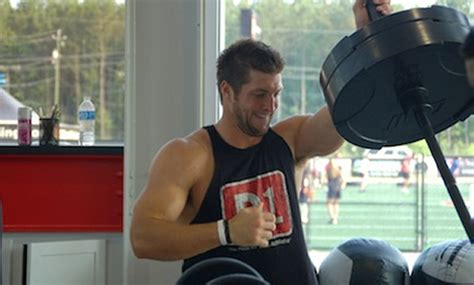 tim tebow bench press tim tebow s upper body muscle building workout muscle
