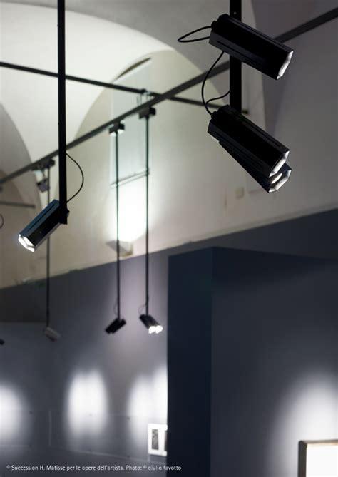 illuminazione museale ombra il proiettore per l illuminazione dei musei fabbian