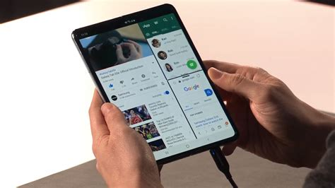 samsung galaxy fold   future  smartphones