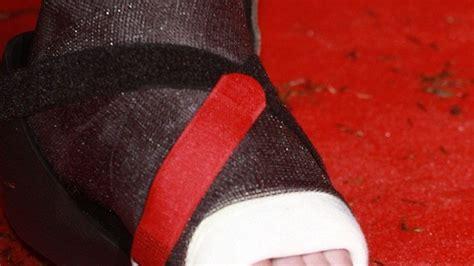 nagellack teppich welcher mann tr 228 gt denn hier nagellack promiflash de