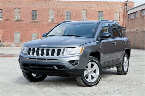 compass jeep 2012 2012 jeep compass overview cars com