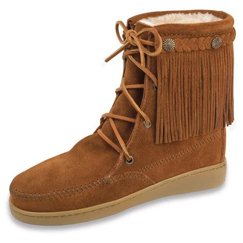 minnetonka boots for s minnetonka 174 pile lined trer boots 209313