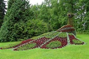 creative garden design ideas home round