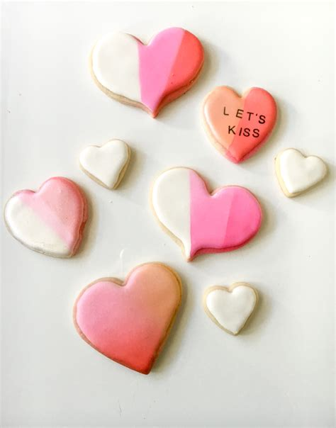 how to use color mist edible spray paint on royal icing and st on sugar cookies the