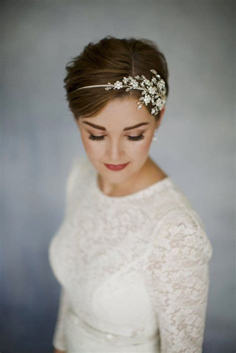 Vintage Hairstyles Wedding Day by Best 25 Wedding Headband Ideas Only On