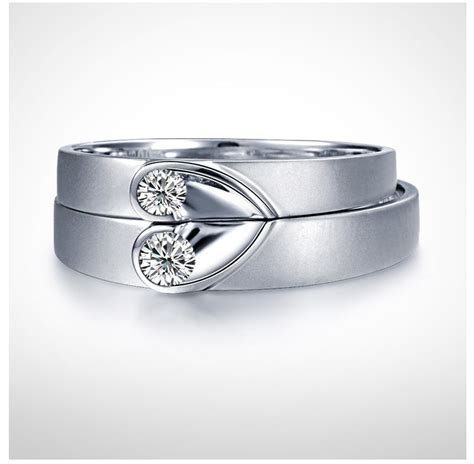 unique shape couples matching wedding band rings on