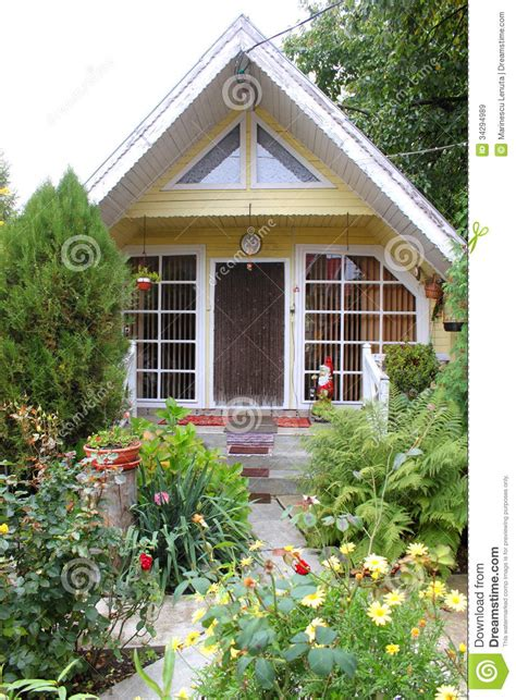 Beautiful Small Home Garden Small House Royalty Free Stock Images Image 34294989
