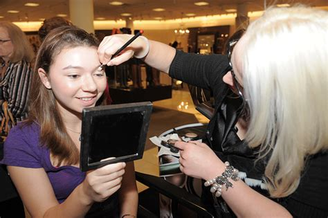 makeover at the mall 187 aventura mall hosts shopping extravaganza for fashion s