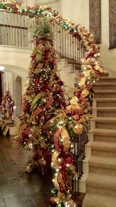 traditionalchristmas tree designed by arcadia floral 1000 images about christmas decor on pinterest show