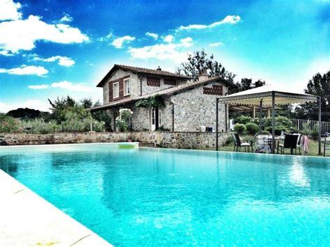 villa con giardino villa con giardino e piscina riscaldata con angolo