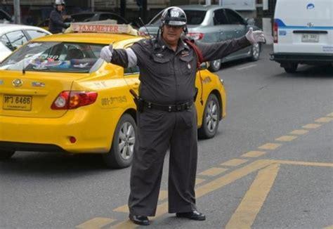 For Bad Cops In Thailand Involves Hello by Dr 244 Le De En Tha 239 Lande Brassards Hello Et