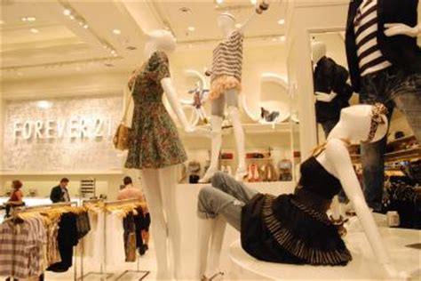 shopping dress di times square forever 21 put employees in danger by blocking emergency