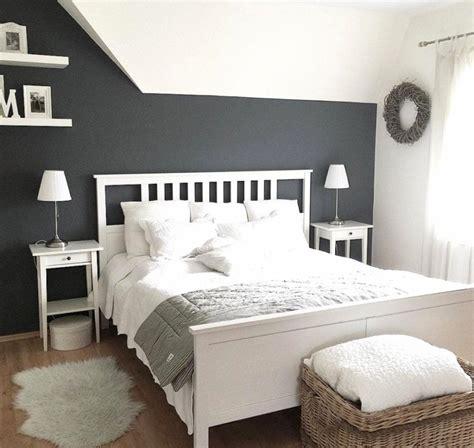 schlafzimmer mit dachschräge deko ideen deko f 252 r schr 228 ge w 228 nde haus design ideen