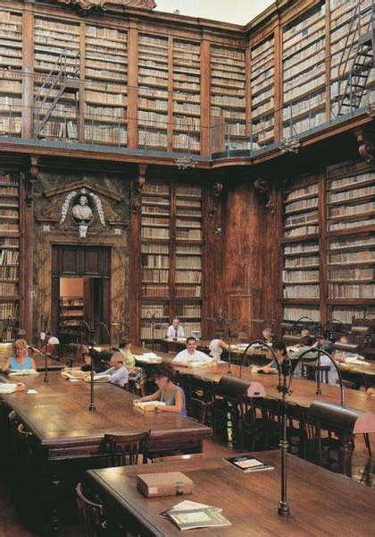 libreria ambrosiana 1000 images about libraries and bookstores su