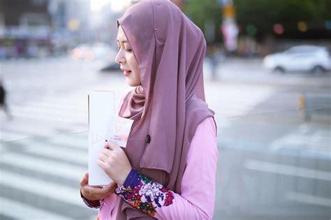 Pentul Korea intip gaya hijaber korea yang imut stylish jihye moon facetofeet