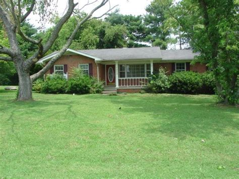 houses for sale murfreesboro tn 1323 lakeshore dr murfreesboro tennessee 37130 foreclosed home information