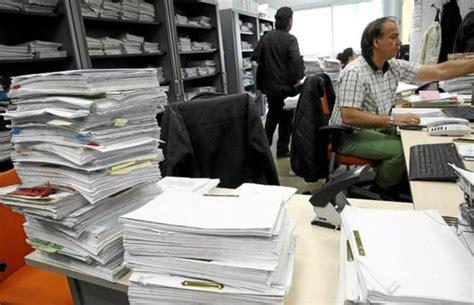 jubilacion para empleados publicos en 2016 en ecuador castilla la mancha reduce a 35 horas la jornada semanal de