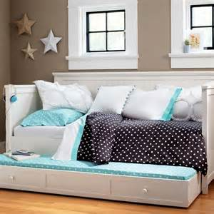 Diy Daybed Comforter Beadboard Daybed Trundle Pbteen Could Diy Child S