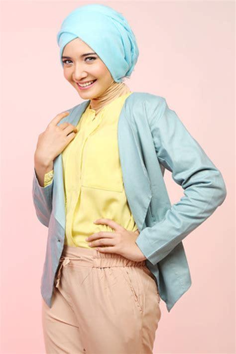 tutorial turban ala zaskia blazer cantik zaskia sungkar foto 5 dream co id
