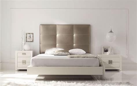 cabecero  cama piel deva piel sintetica plata  fresno  incluye somier ni colchoneste