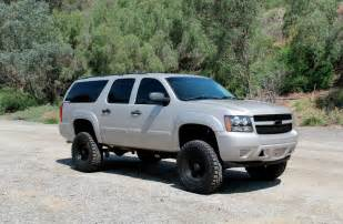 Chevrolet Suburban Lifted Installing A 6 Inch Rcd Lift On A 2008 Chevy Suburban 2500hd