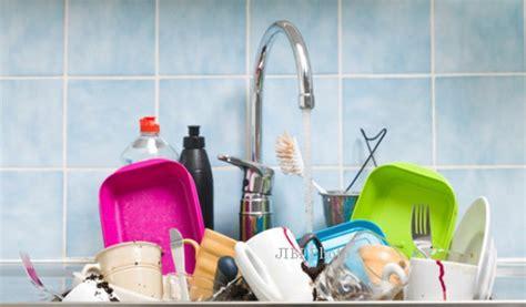 Kran Tempat Cuci Piring tips hidup sehat waspada benda benda di rumah penuh